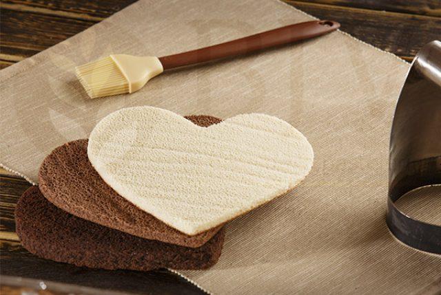 Base de bizcocho con forma de corazón