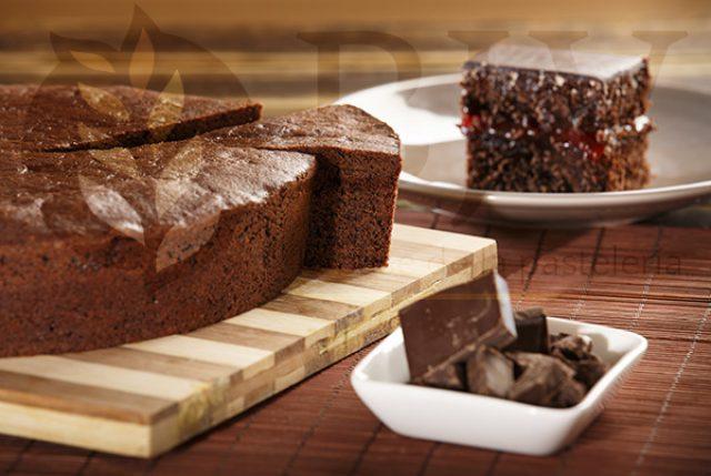 Sacher sponge cake